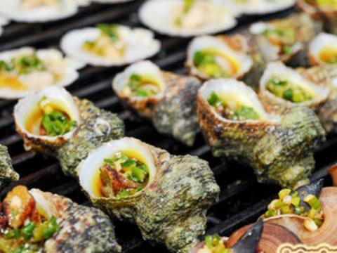 Món ốc mặt trăng nướng bơ - món ăn trên đảo Cù Lao Xanh