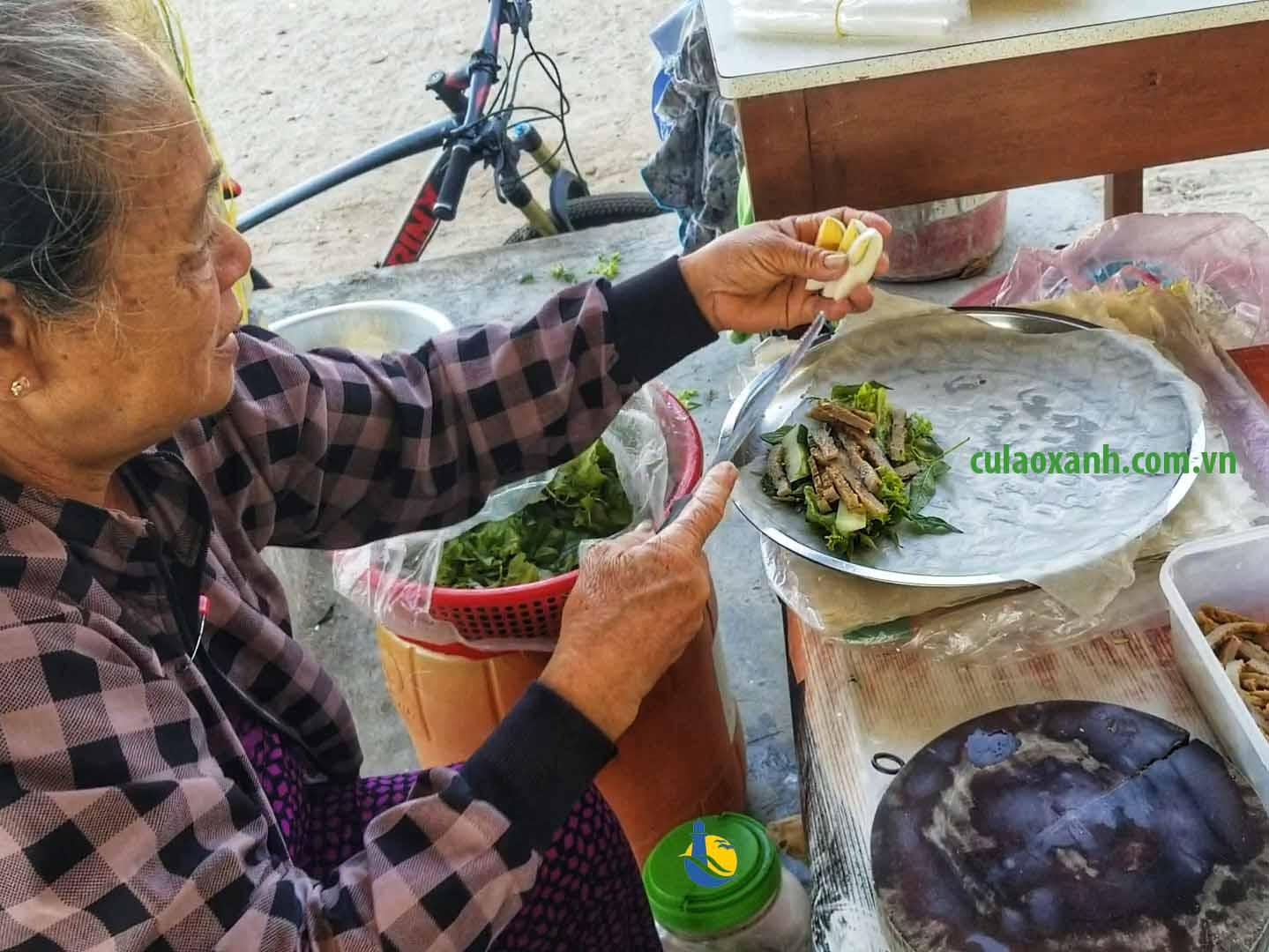 chợ Nhơn Châu đảo Cù Lao Xanh