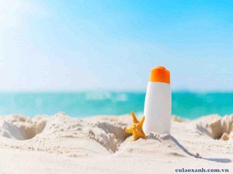 Kem chống nắng khi đi biển Cù Lao Xanh