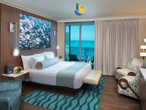 Tại sao giường khách sạn Cù Lao Xanh có nhiều gối?