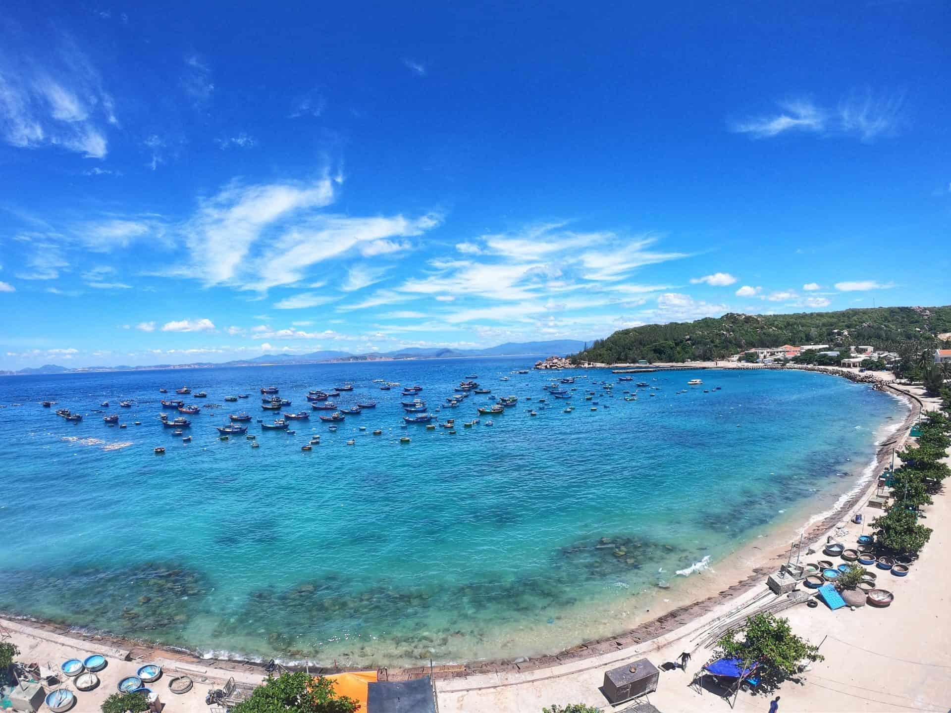 nhà hàng view biển cù lao xanh