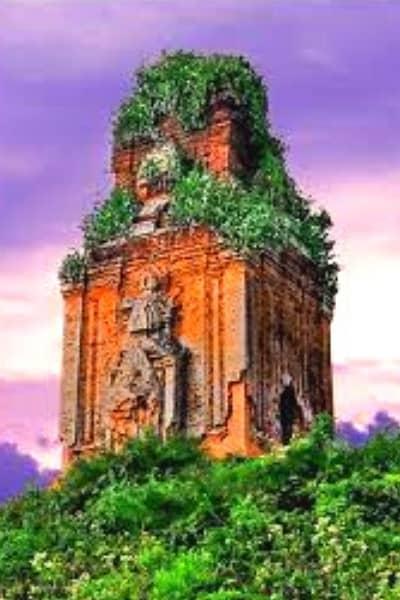 Tháp Phú Lốc - Tháp Vàng